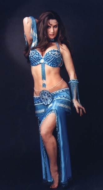 Форум танца живота - С какой стороны принято делать разрезы на юбках?
